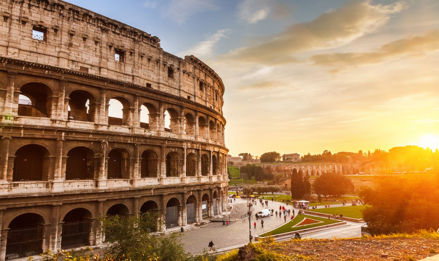 neorealist aesthetics on rome open city and 8 12 essay Philosophy of art and aesthetic experience in rome phil 277 – fall 2017 instructor: dr stefano giacchetti m/w 340-455 – office hours m/w 230-330 (by appointment.